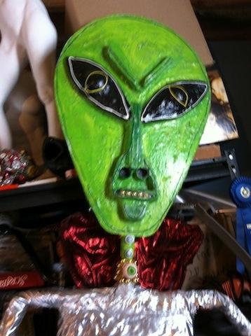 alien-puppet