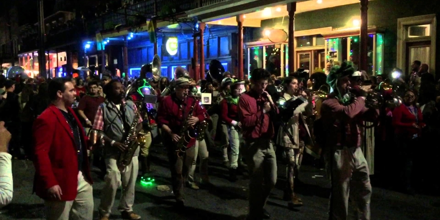 Marching band playing Doctor Who theme song at a Star Wars themed Mardi Gras parade